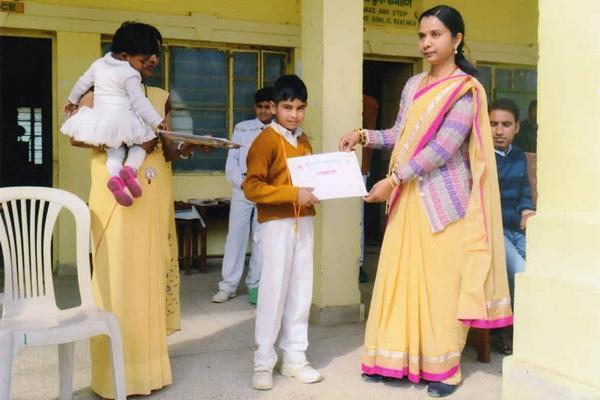 Student Achieved Certificate at MVM Narsinghpur